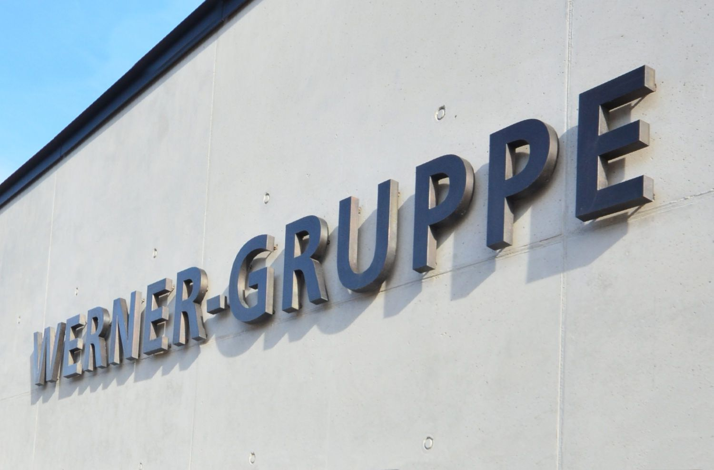 Werner-Gruppe-Gebäudebeschriftung